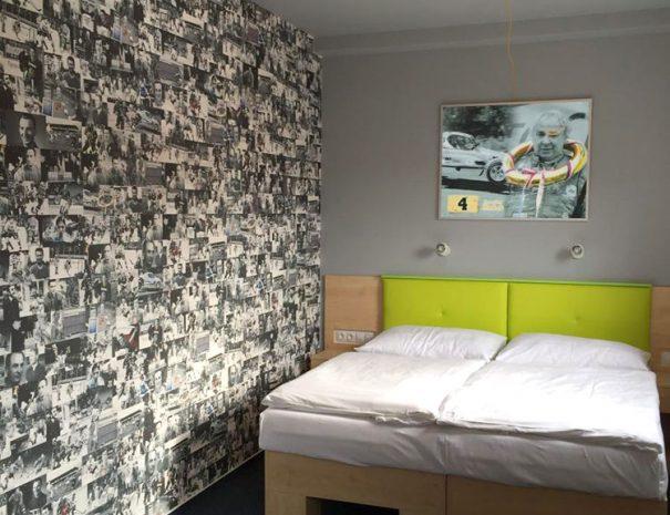Room 4 - Jaroslav Hošek